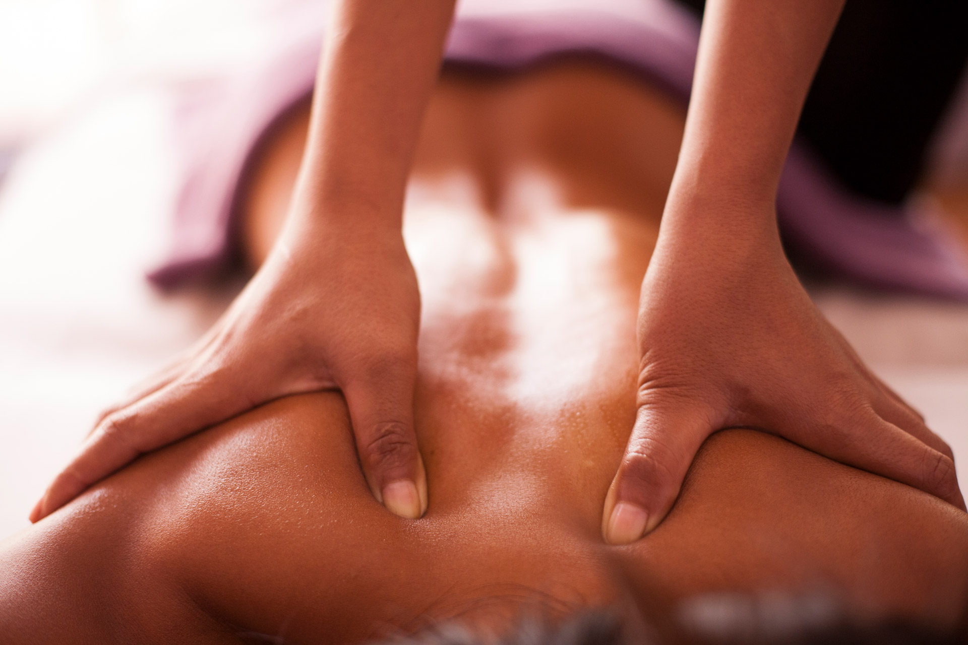 Aromatherapy Body Massage – Sâmata